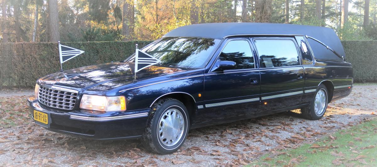Cadillac rouwauto